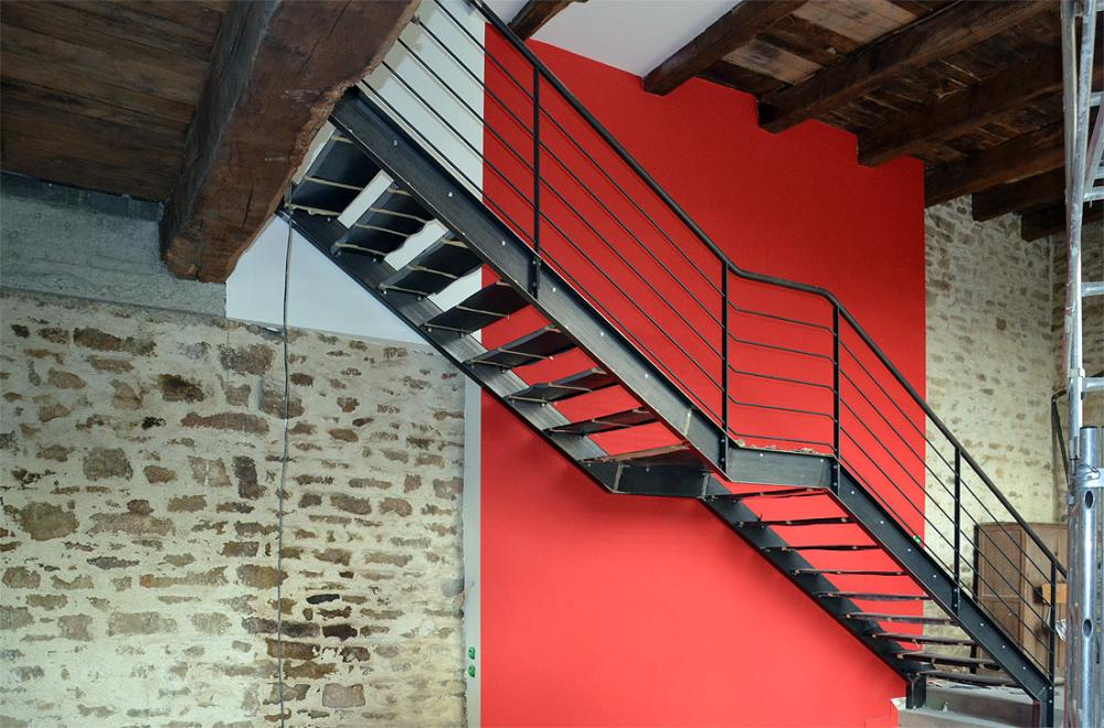 Escalier métallique intérieur